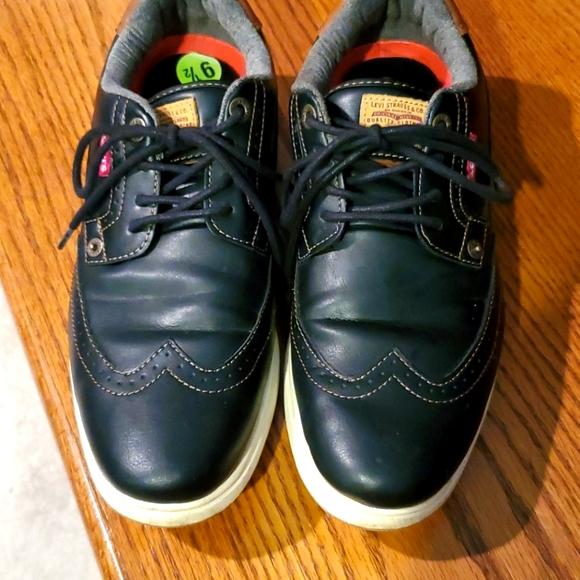 Levi's Men shoes sz 9.5